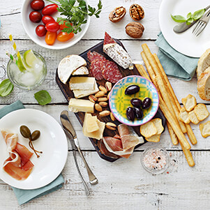 Build the Perfect Charcuterie Board blog